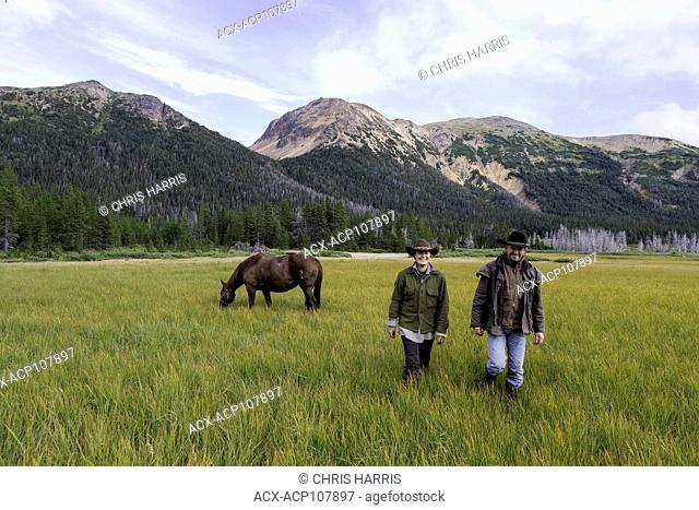 Canada, British Columbia, Tweedsmuir Park, Rainbow volcano, Rainbow Mountains, guide outfitters, pack outfitters, horses, pack horses, trail ride, people