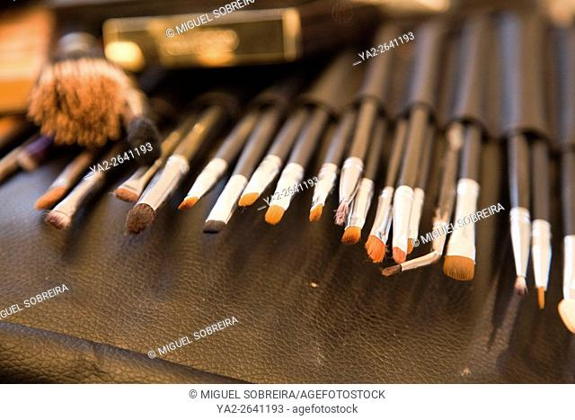 Make-up brushes and Equipment