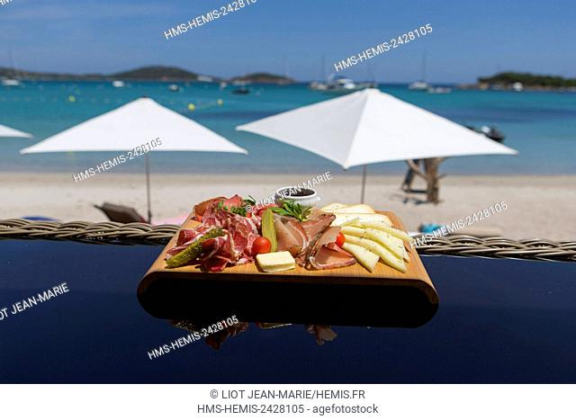 France, Corse du Sud, Lecci, Bay of Saint Cyprien, beach restaurant, plate of Corsican specialties