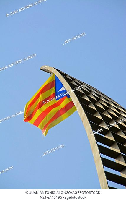 José Angel Merino's sculpture 'A Toda Vela' with an independentist Catalan flag added provisionally. Cambrils, Tarragona, Catalonia, Spain, Europe