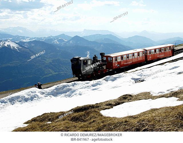 The Schafbergbahn, cog railway on the Schafberg Mountain, in front of Wolfgangsee Lake, Salzburg, Austria, Europe