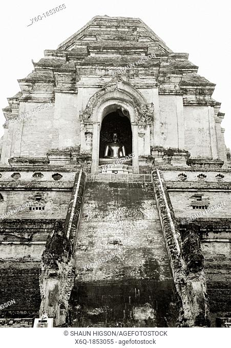 The 14th century Wat Chedi Luang in Chiang Mai in Thailand in Southeast Asia Far East. Originally constructed by King Saen Muang Ma to bury the ashes of his...