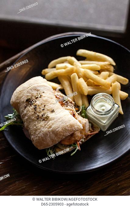 Australia, Victoria, VIC, Yarra Valley, Coldstream, Coldstream Brewery, grilled salmon panini with aioli and pommes frittes