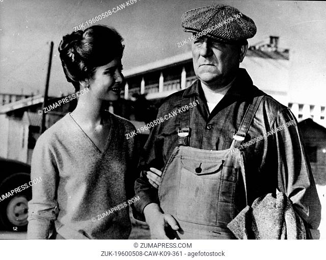 Feb. 9, 1960 - Paris, France - Actor JEAN GABIN starring in a scene from the film 'Rue de Paris' with co-star actress MARIE-JOSE Nat