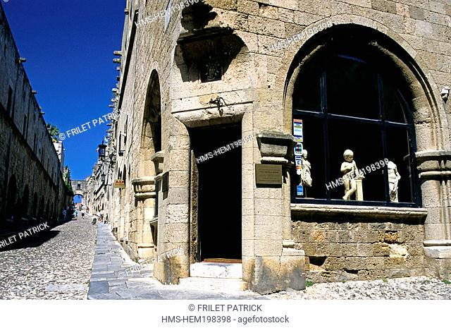 Greece, Dodecanese Islands, City of Rhodes, Socratous Street in the old town