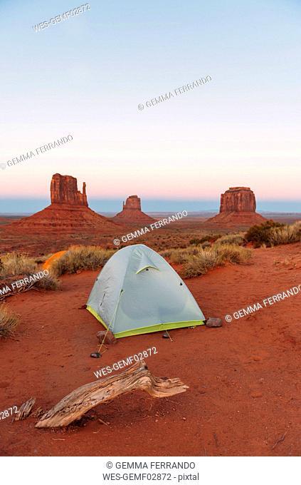 USA, Utah, Monument Valley, tent camp