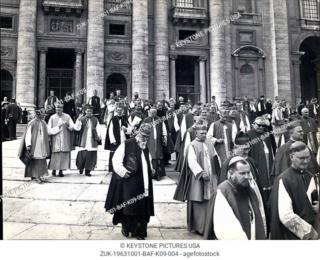Oct. 01, 1963 - Some pictures taken this morning in St. Peter Square, during the exit from the Basilica of the Councilor Fathers, to the end on the reunions