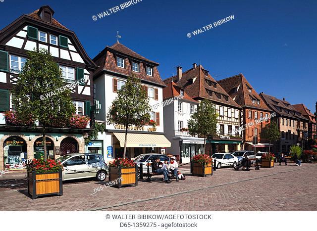 France, Bas-Rhin, Alsace Region, Alasatian Wine Route, Obernai, Place du Marche