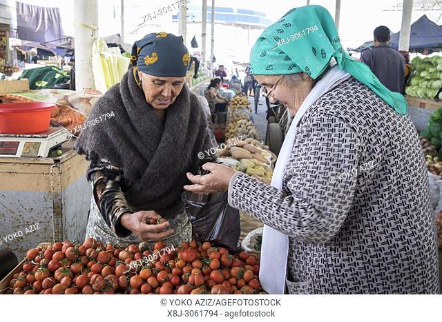 Uzbekistan, surroundings of Bukhara, local market