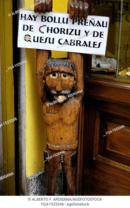 Wood Sculpture for advertising products in a store Llanes, Asturias, Spain