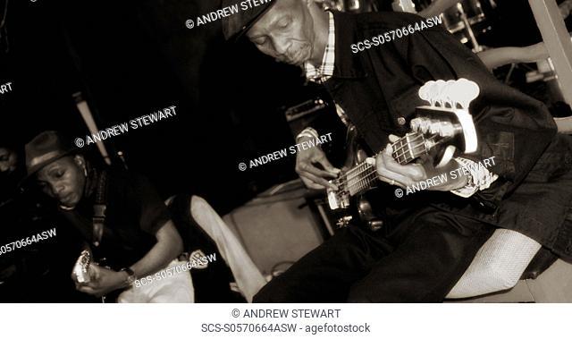 01/04/2009 Dakar, Senegal Just 4 U, Famous blues and jazz club African music, electric guitar, percusion, drums Dakar , City Center