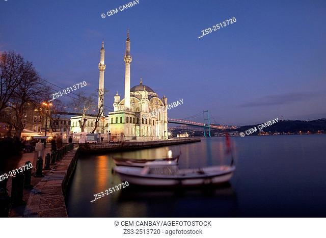 Ortakoy Mecidiye mosque and Bosphorus bridge, Istanbul, Turkey, Europe