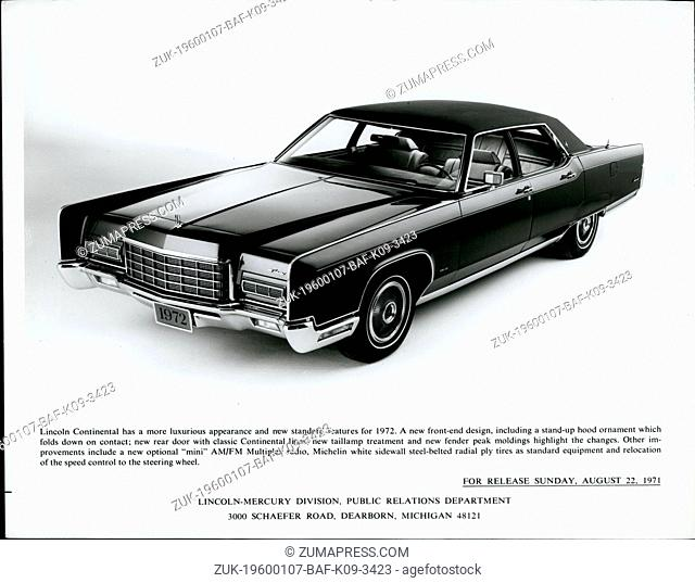 Feb. 26, 2012 - Lincoln Continental has a more luxurious appearance and new standard features for 1972. A new front end design
