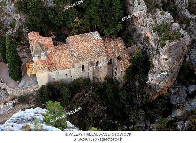 Perched chapel of Notre Dame de Beauvoir in Moustiers Sainte Marie, Verdon regional park, Alpes de Haute Provence, Provence, France