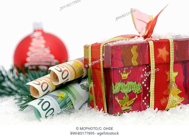 gift and euro banknotes