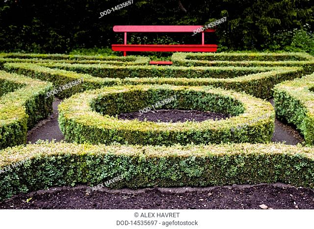 Scotland, Cawdor Castle, hedge maze and garden bench