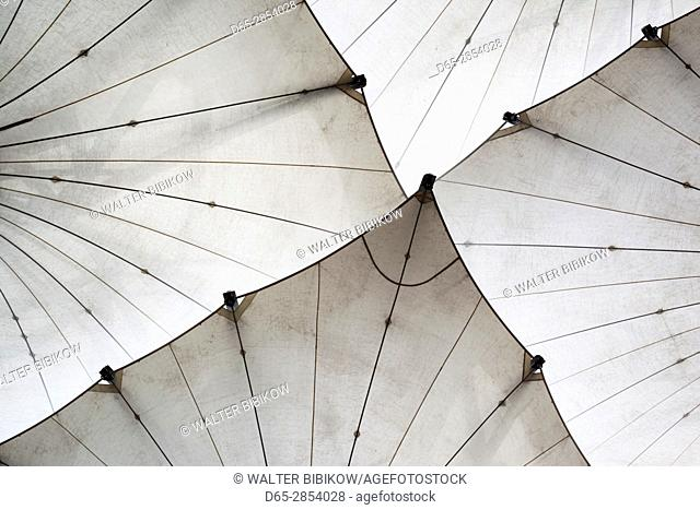 Ireland, Dublin, Temple Bar area, large umbrellas outside the Dublin Photographic Archive