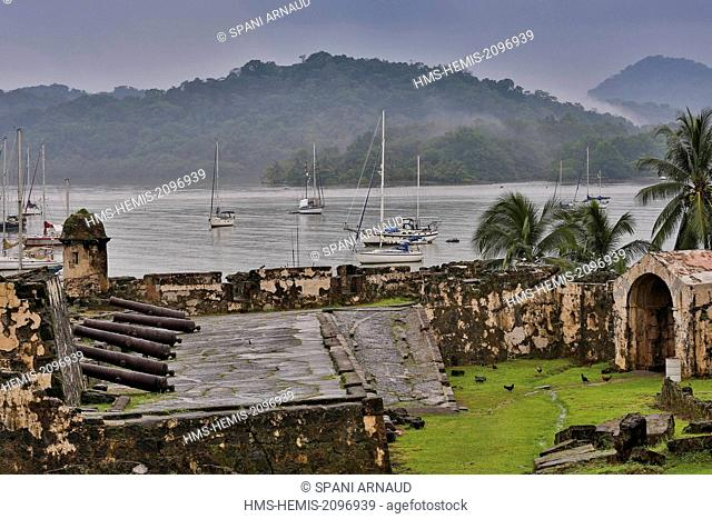 Panama, Colon province, Portobelo, listed as World Heritage by UNESCO, former Spanish fort defending the time of the conquest of America amid mooring sailboats