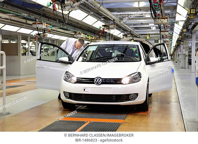 Volkswagen AG, car production at the Wolfsburg plant, final inspection of the Golf VI shortly before distribution, taken during an official Volkswagen photo...