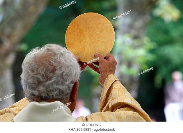 Eucharist, Catholic Mass, La Roche-sur-Foron, Haute Savoie, France, Europe