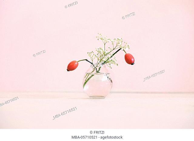 Flower vase, small, rosehips