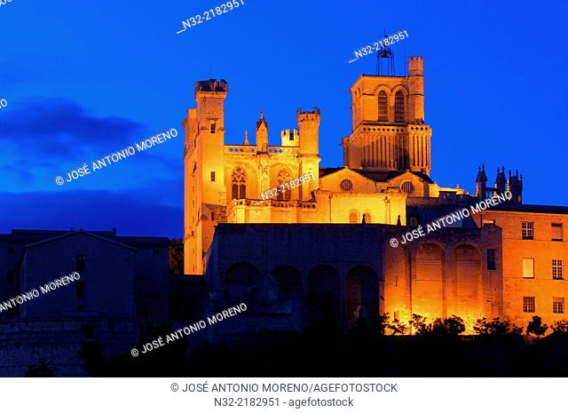 Saint-Nazaire cathedral at dusk, Beziers, Herault, Languedoc-Roussillon, France