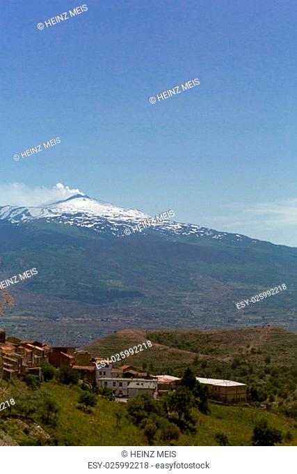 the etna volcano in sicily and low volcano mojo