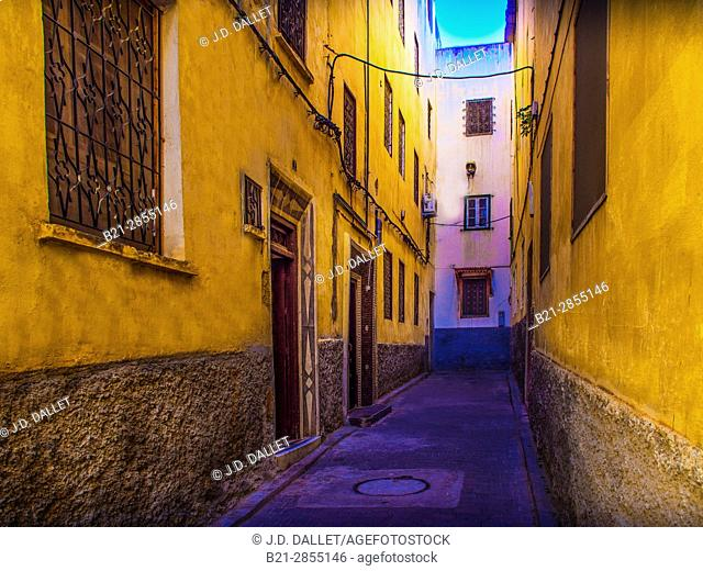 """Morocco, Fes, street in the Ziat area, """"Medina"""" (old part) of Fes"""