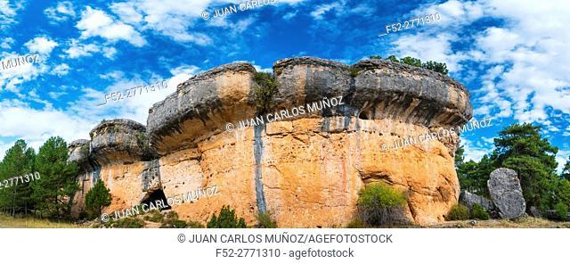 Rock Walls, Ciudad Encantada, Serranía de Cuenca Natural Park, Cuenca, Castilla - La Mancha, Spain, Europe