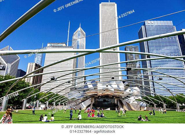 Illinois, Chicago, Loop, Millennium Park, Jay Pritzker Music Pavilion, bandshell, Harris Theater, theatre, Frank Gehry architect designer, city skyline