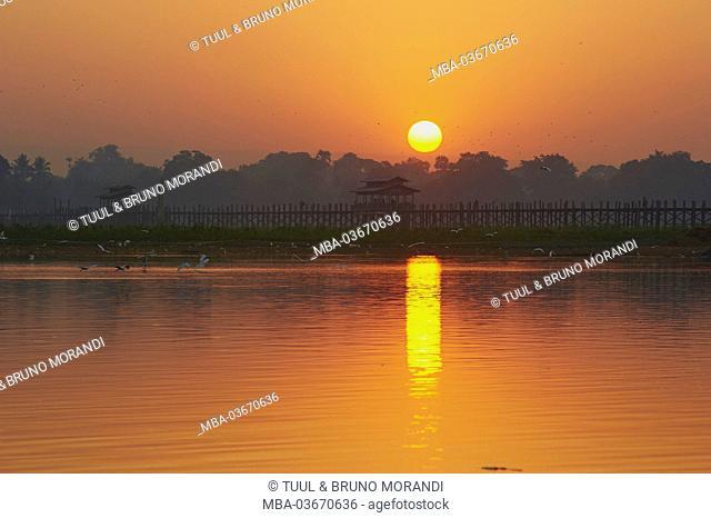 U Bein bridge, Amarapura, Myanmar, Asia