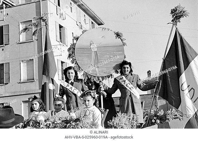 Union Women in Italy (UDI): Women's Day in Santa Viola (Bologna), the March 8, shot 1965 ca. by Villani, Studio