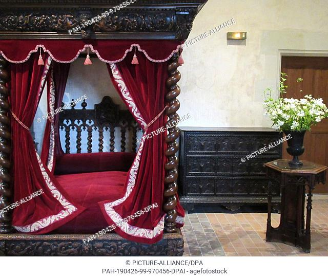 16 April 2019, France (France), Amboise: The deathbed of the universal artist Leonardo da Vinci in the castle Clos Luce. In the town on the Loire