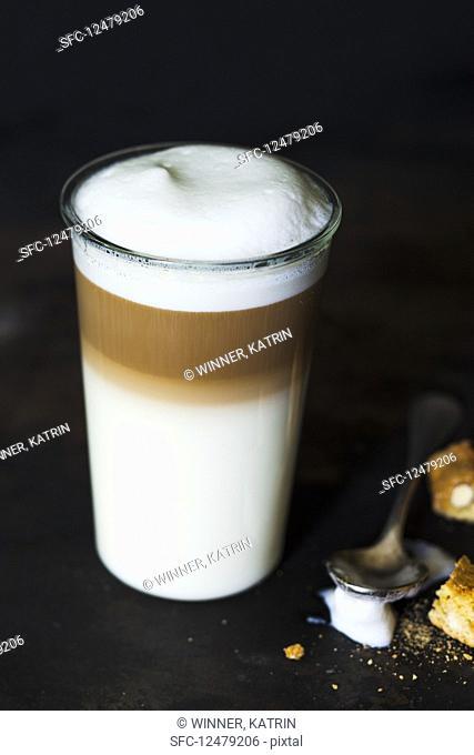 A latte macchiato