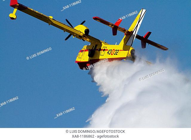 Seaplane, fire-fighting aircraft