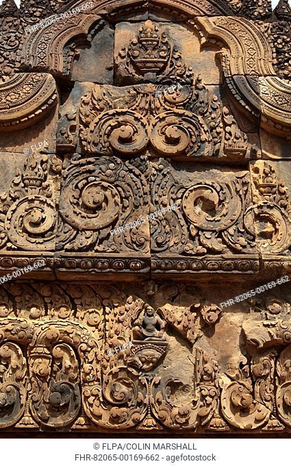 Bas-relief on doorway of Khmer Hindu temple, Banteay Srei, Angkor, Siem Riep, Cambodia