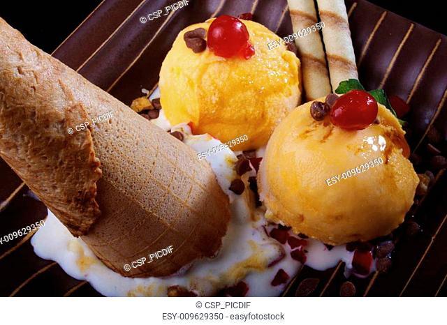 Ice cream sundae, scoops & a cone