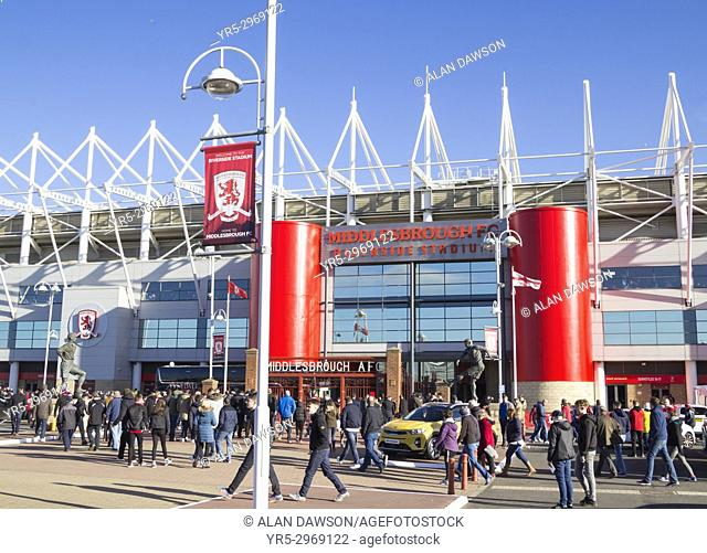Middlesbrough, England, United Kingdom. 5th November, 2017. Supporters arrive at the Riverside stadium for the local north east derby between Middlesbrough and...