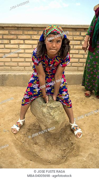 Turkmenistan, Archeological Site of Merv, Pulling Stone tradition