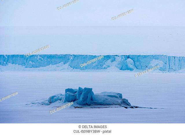 Snow covered view of polar ice cap, Austfonna Nordaustlandet, Svalbard, Norway