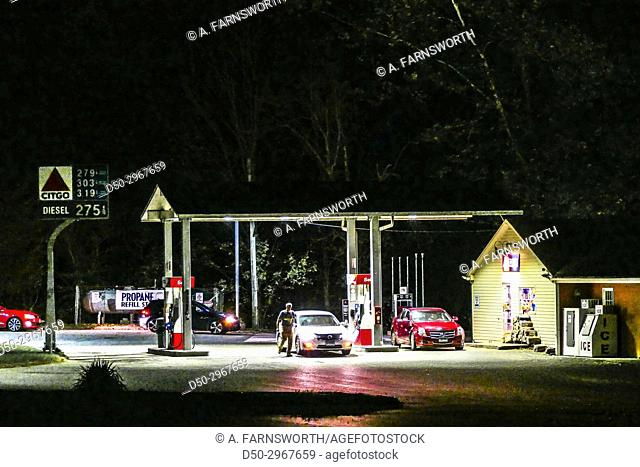 CORNWALL BRIDGE CT. USA Gas station on Rte 7