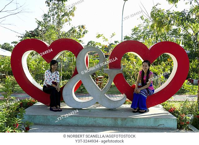 Myanmar (formerly Burma). Kayin State (Karen State). In the surroundings of Hpa Han. Young People at Floral park