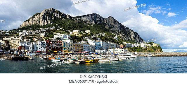 Boats of all kinds in the Marina Grande of Capri
