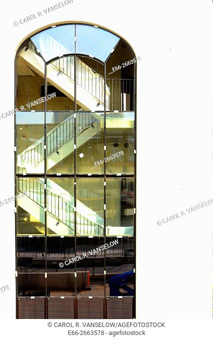Window and stairwell of Maankwartier