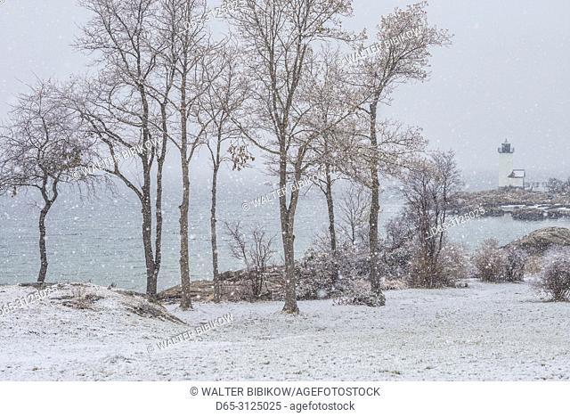 USA, New England, Cape Ann, Massachusetts, Annisquam, Annisquam Lighthouse, winter