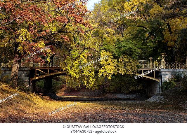 Autumn was dry river bed bridges