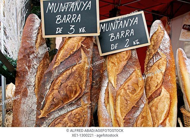 2 or 3kg wood bread, food
