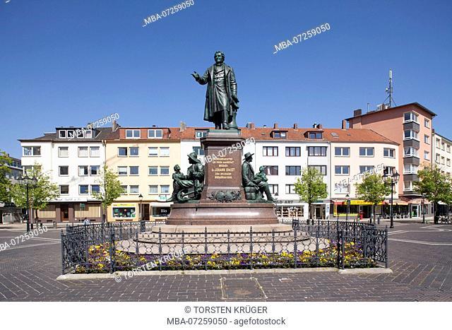 Mayor Smidt Memorial at Theodor-Heuss-Platz, Bremerhaven, Bremen, Germany, Europe