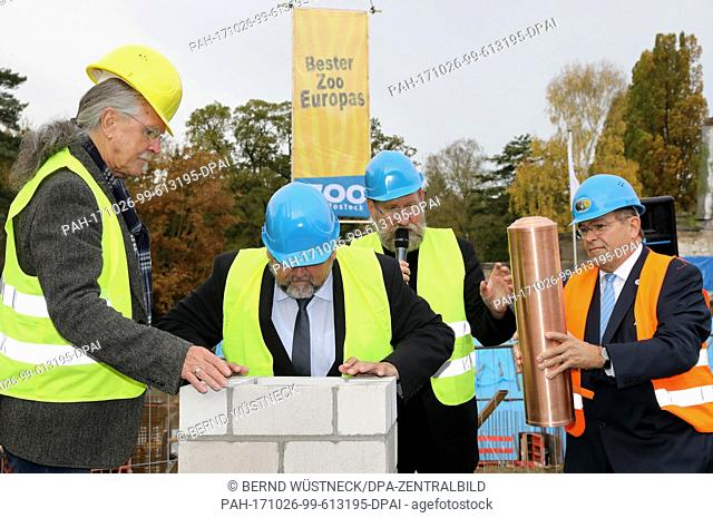 L-R: Mayor Wolfgang Nitzsche, agriculture minister Harry Glawe (CDU), zoo director Udo Nagel and university rector Wolfgang Schareck take part in the ceremonial...