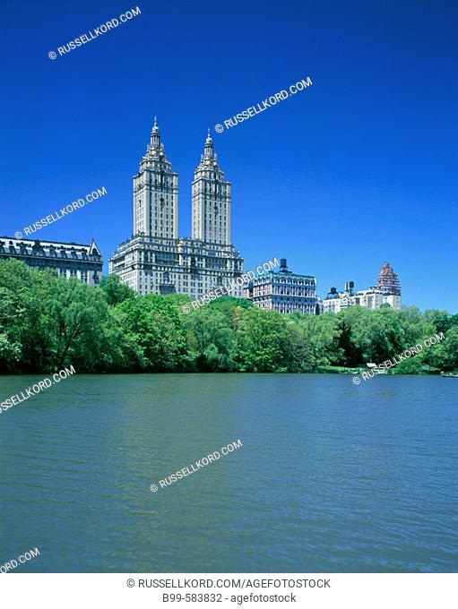 Central Park West Skyline, Lake, Central Park, Manhattan, New York, Usa